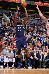 PHOENIX, AZ - FEBRUARY 2: Zach Randolph #50 of the Memphis Grizzlies shoots against the Phoenix Suns on February 2, 2015 at U.S. Airways Center in Phoenix, Arizona.